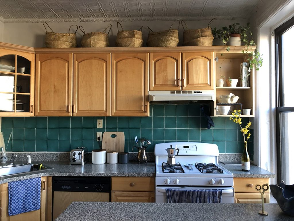 My Diy Nyc Rental Kitchen Makeover No Paint No Reno The Luxe Strategist